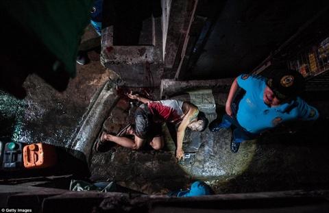 300 toi pham ma tuy bi ban chet trong 1 thang o Philippines hinh anh 2