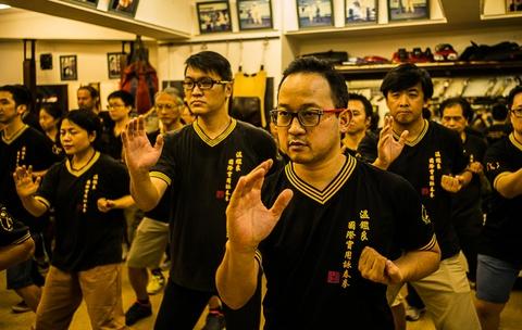 kungfu hongkong suy yeu hinh anh