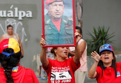 Bien nguoi bieu tinh dong nhu hoi o Venezuela hinh anh 12