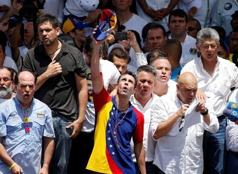 Bien nguoi bieu tinh dong nhu hoi o Venezuela hinh anh 4