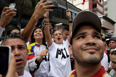 Bien nguoi bieu tinh dong nhu hoi o Venezuela hinh anh 5