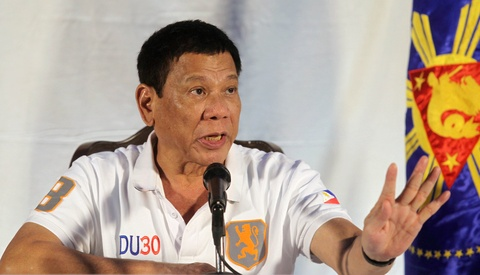 Vua 'duoi' linh My khoi Philippines, ong Duterte da ha giong hinh anh