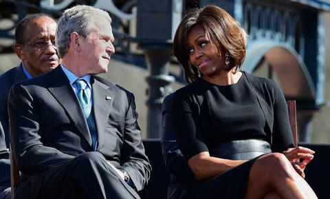 Tinh ban dac biet cua Michelle Obama va cuu tong thong Bush hinh anh 4
