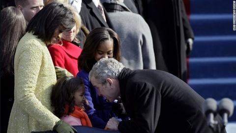 Tinh ban dac biet cua Michelle Obama va cuu tong thong Bush hinh anh 1