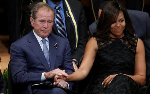 Tinh ban dac biet cua Michelle Obama va cuu tong thong Bush hinh anh 5