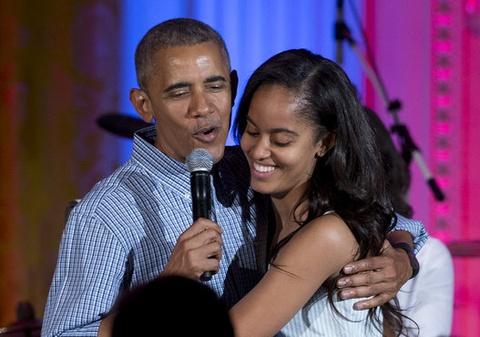Con gai Obama thay doi the nao sau 8 nam o Nha Trang? hinh anh 11