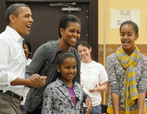 Con gai Obama thay doi the nao sau 8 nam o Nha Trang? hinh anh 5