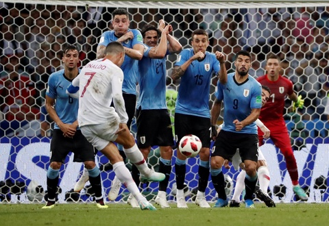 Ronaldo nen cao rau va ngung nghi minh la 'The GOAT' hinh anh 4