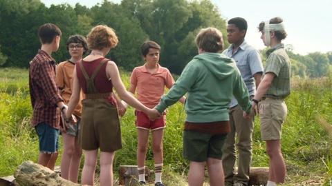 'IT: Chapter 2' tung trailer dam mau, hua hen muc do kinh di gia tang hinh anh 2