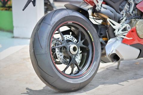 Chi tiet Ducati V4S cua dan choi mien Tay gia gan 1 ty hinh anh 12