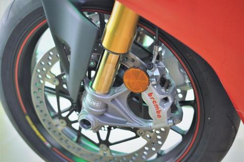 Chi tiet Ducati V4S cua dan choi mien Tay gia gan 1 ty hinh anh 5