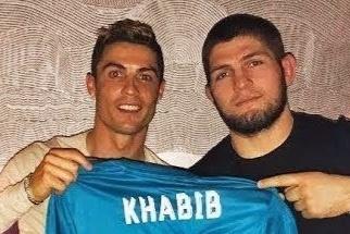 Ronaldo ung ho vo si Khabib hinh anh