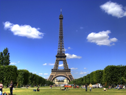 Trieu phu goc Viet mua 'thap Eiffel' nao? hinh anh