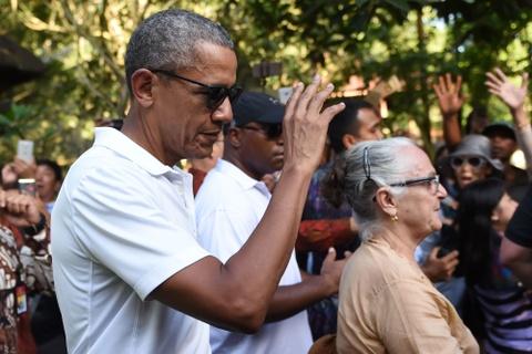 Obama va chuyen ve 'que' voi hang tram binh si bao ve hinh anh 5