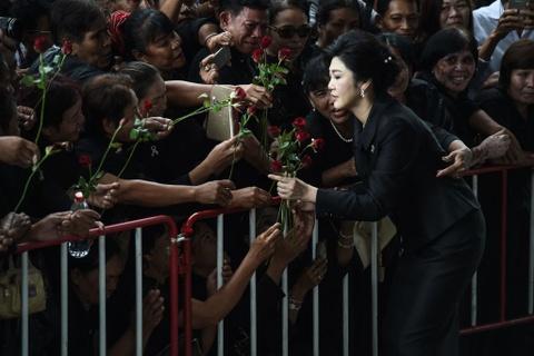 Hoa hong va nuoc mat: Yingluck toi phien toa ba co the bi ket an tu hinh anh 6
