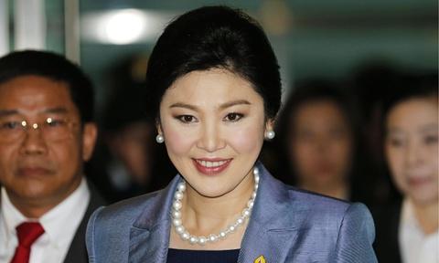 'Ba Yingluck bo xe va dien thoai de xoa dau vet' hinh anh