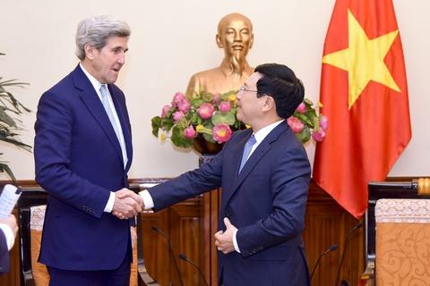 Pho thu tuong Pham Binh Minh tiep cuu ngoai truong My John Kerry hinh anh