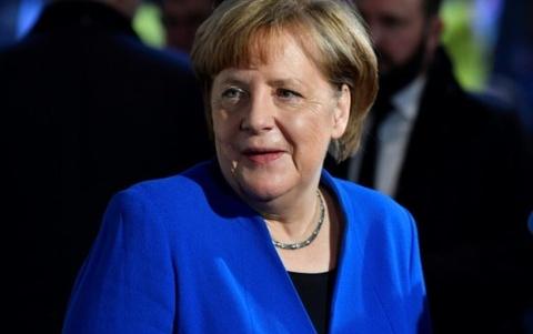 Ba Merkel dat dot pha trong viec thanh lap chinh phu hinh anh