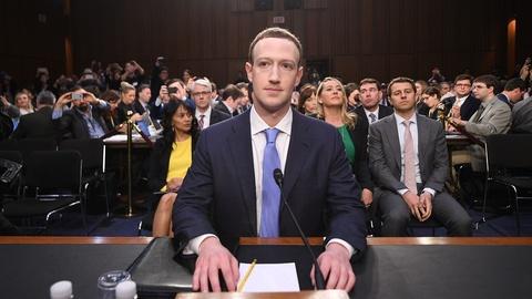Mark Zuckerberg dieu tran: Facebook luu tru moi thong tin nguoi dung hinh anh