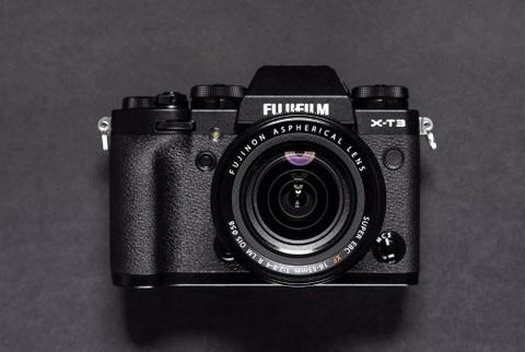 Fujifilm ra mat X-T3 man hinh cam ung, gia 1.500 USD hinh anh