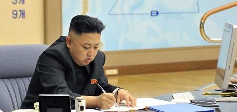 Ong Kim Jong Un va Donald Trump, ai ranh cong nghe hon? hinh anh 3