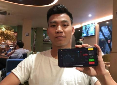 Văn Thanh quảng cáo cho Binomo từ cuối 2018.