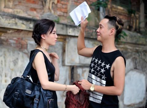 Justa Tee cham soc ban gai khi quay MV cho Soobin Hoang Son hinh anh