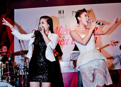Van Mai Huong do giong cung hot girl The Voice hinh anh