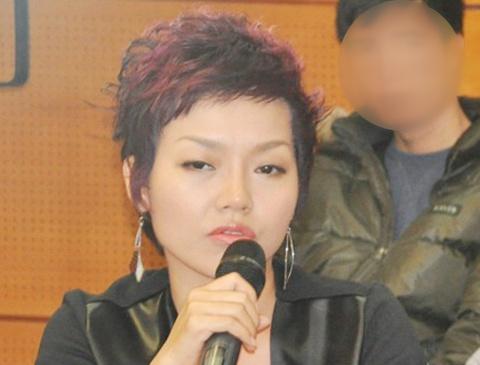 Hai Yen Idol va Thai Thuy Linh cung bi cuop o Sai Gon hinh anh
