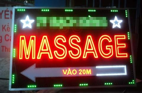 Nu chu quan massage bi trai lang danh, cuop hinh anh