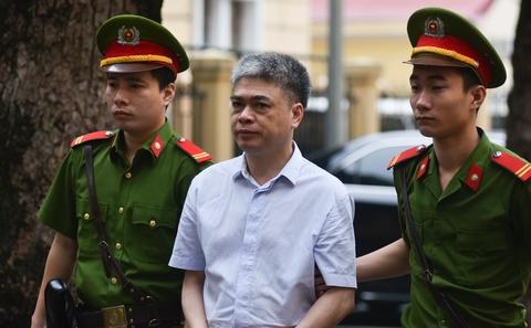 Luat su cho cau tra loi 'quyet dinh sinh mang' cua Nguyen Xuan Son hinh anh