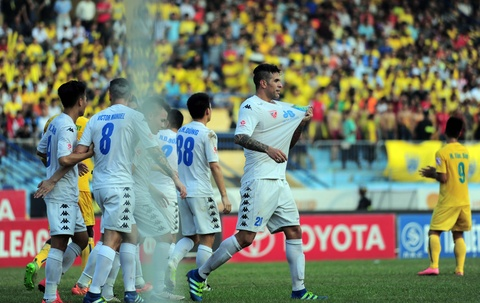 Ha Noi T&T dang quang nghet tho V.League 2016 hinh anh 2