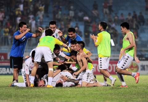 Ha Noi T&T dang quang nghet tho V.League 2016 hinh anh 10
