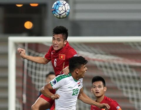 HLV Vu Quang Bao: U19 cua ta cu binh tinh, co hoi se den hinh anh