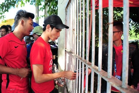 Myanmar vs Viet Nam: Co dong vien chu nha tu tap tu som hinh anh 5