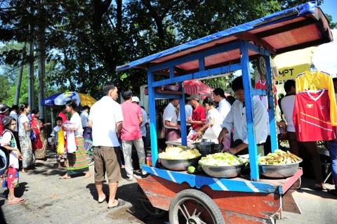 Myanmar vs Viet Nam: Co dong vien chu nha tu tap tu som hinh anh 8