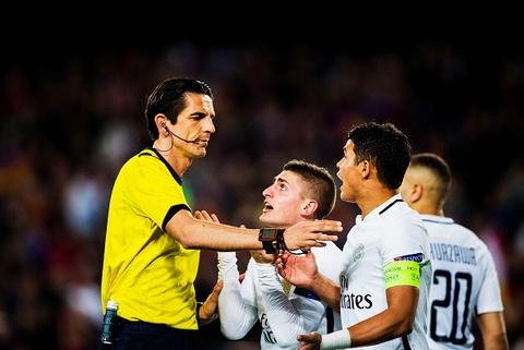 'Qua 11 m cho Barcelona giong tinh huong vo tran Long An' hinh anh