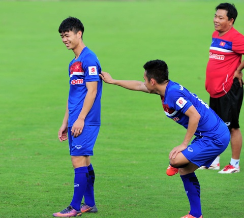Xuan Truong cuoi hip mat khi tuyen Viet Nam tap buoi dau hinh anh 4