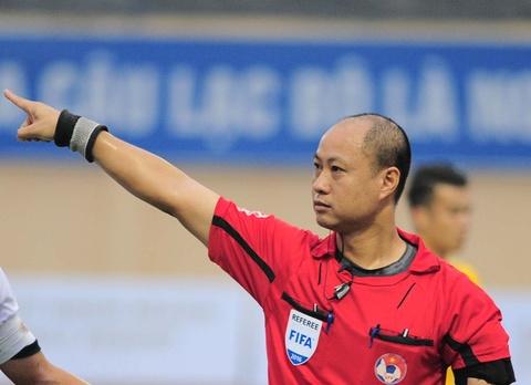 Cuu coi vang V.League: 'Sao khong ky luat trong tai Hoang Anh Tuan?' hinh anh