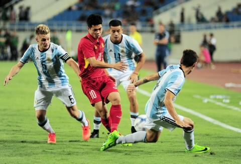 Cong Phuong, Tuan Anh duoc U20 Argentina 'khai sang' ve bong da hinh anh 5