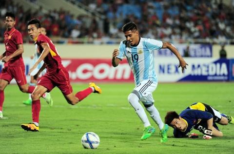 Cong Phuong, Tuan Anh duoc U20 Argentina 'khai sang' ve bong da hinh anh 8