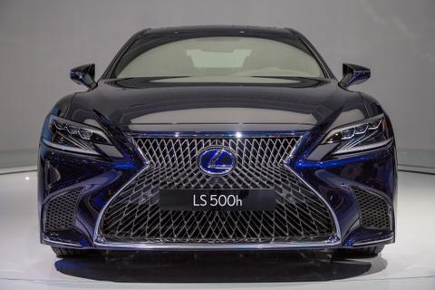 Lexus LS 500h 2018 lan dau xuat hien tai Viet Nam hinh anh 2