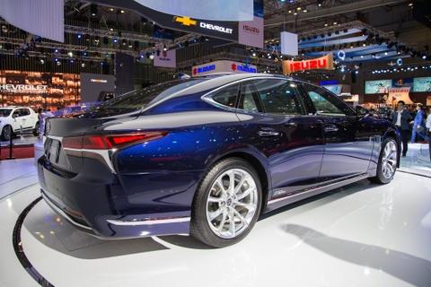 Lexus LS 500h 2018 lan dau xuat hien tai Viet Nam hinh anh 4