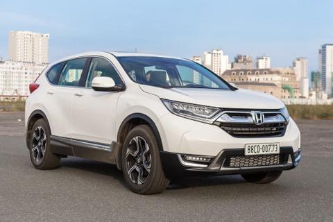 Khach hang o at dat coc Honda CR-V 2018 huong thue NK 0% hinh anh