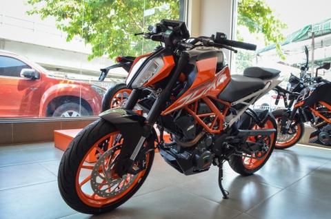 KTM 390 Duke 2018 ve VN: Nakedbike doi dau Kawasaki Z300 hinh anh