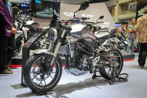 Honda CB300R 2018 gia 4.800 USD, lua chon moi phan khuc 300cc hinh anh