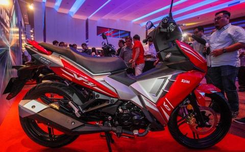 SYM VF3i 2018 gia 2.170 USD - tham vong doi dau Yamaha Exciter hinh anh