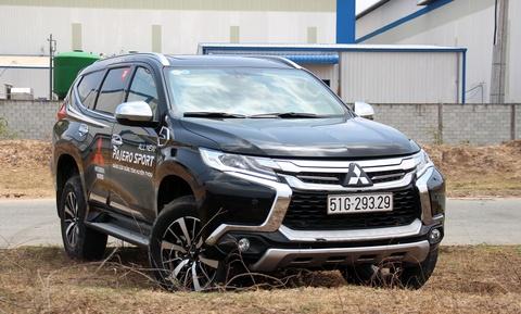 Mitsubishi Pajero Sport giam gia gan 200 trieu dong tai VN hinh anh