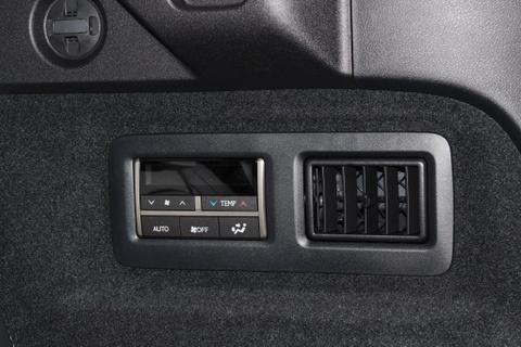 Lexus RX350L 7 cho dau tien ve Viet Nam, gia gan 5 ty dong hinh anh 7