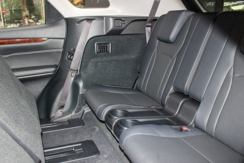 Lexus RX350L 7 cho dau tien ve Viet Nam, gia gan 5 ty dong hinh anh 6